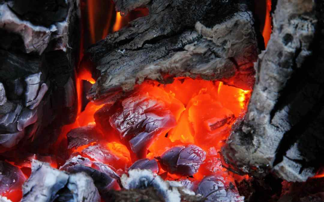 Charcoal vs Gas Grill – Top 5 Pros and Cons Compared