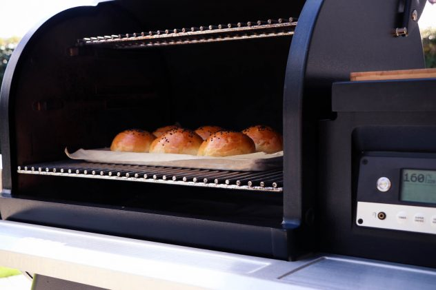 Burger Buns vom Traeger Timberline
