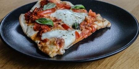 Pizza-Aufsatz-Gasgrill_2-4