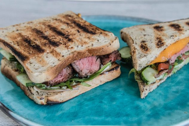Steak-Sandwich-Tomate-Korriander-7