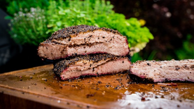 Full Packer Brisket: Flat (unten) & Point (oben)