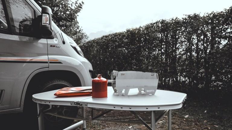 Der Skotti ist der perfekte Campinggrill