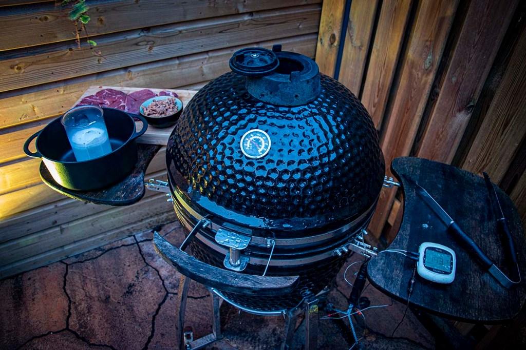 Beef rendang bbq vlees op de bbq 2