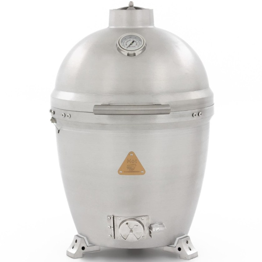 A solid cast aluminum kamado grill by Blaze that is 20 inches in diameter.