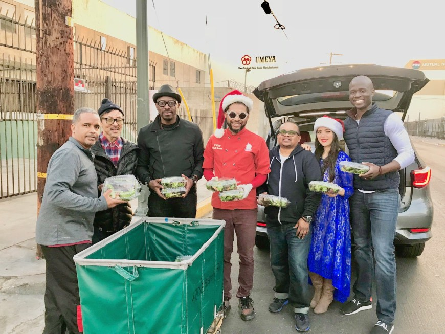 #ChefMickBrown #BBQRESCUESFoundation #LaniDapolani #Volunteers #HBNH #HomelessButNotHelpless #Ministries #Salads #ChristmasEve #2017 #LosAngeles
