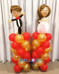 Singapore-wedding-balloon-couple