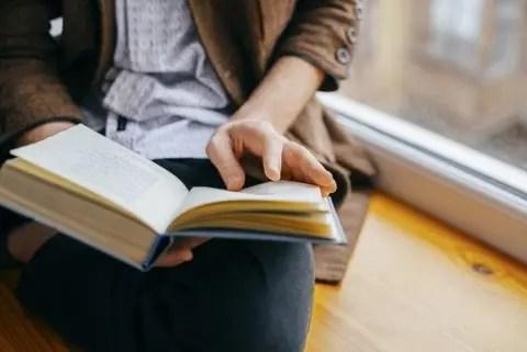 lire au moins deux livres à la fois pour garder un esprit actif