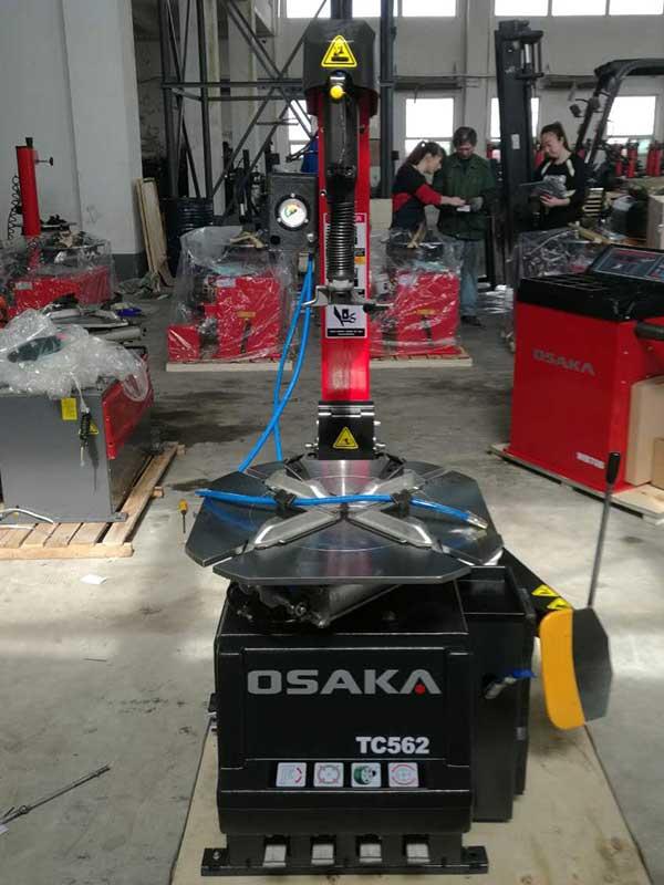 Автоматический шиномонтажный станок OSAKA TC562