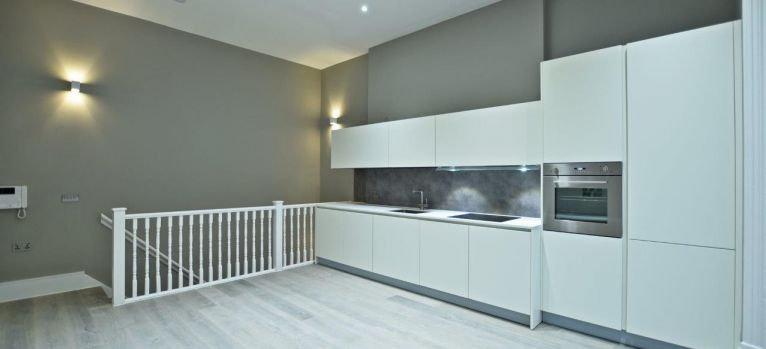 Mayfair Apartment custom fitted Kitchen