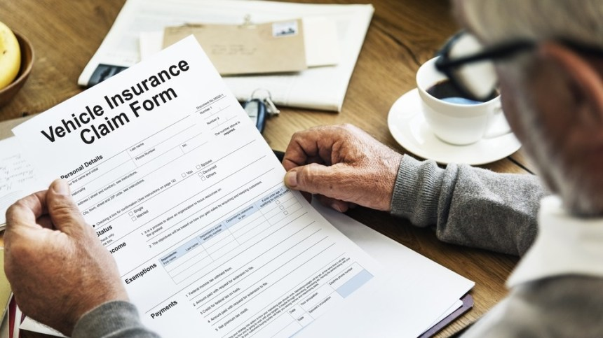 How to File a Car Insurance Claim Without Police Report