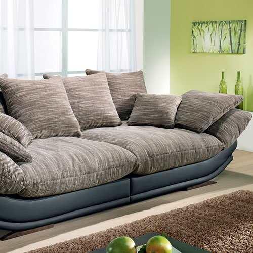 Как самостоятельно почистить диван