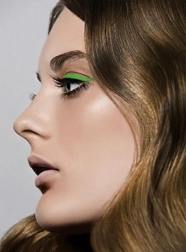 eyeliner verde