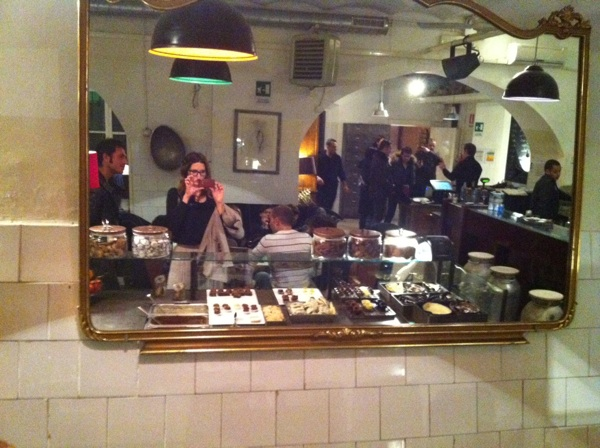 said specchio buffet dolci cioccolato