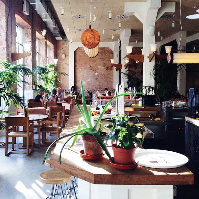 flex and kale entrada restaurante