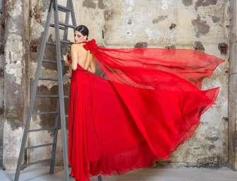 Cristina Tamborero presenta su nueva colección fiesta, un homenaje a las heroínas