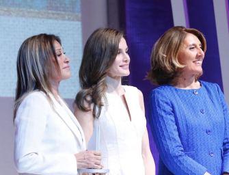 Purificación García, Fragancias Puig, Dolores Cortés y García Madrid galardonados con los Premios Nacionales de la Moda