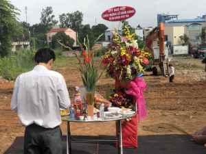 Lễ động thổ Bcons