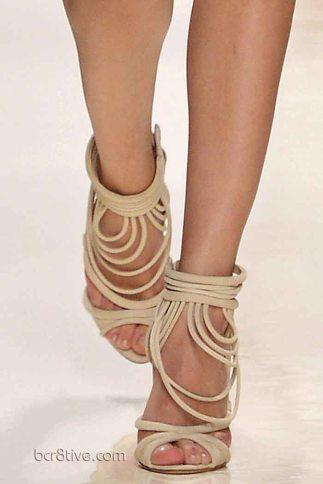 Valentin Yudashkin Spring 2014 - Looped Shoes