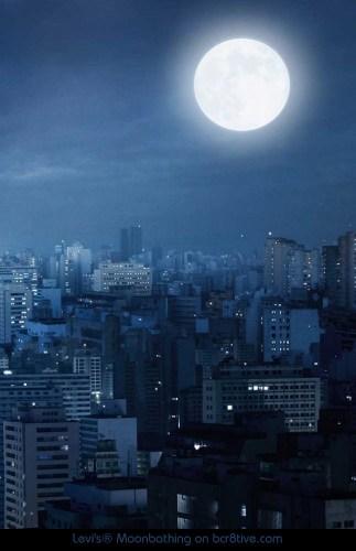 Levis Moonbathing