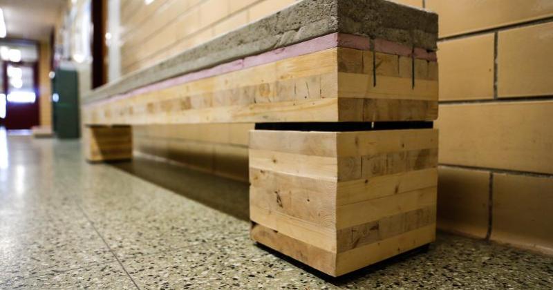 Article in Hampshire Gazette features wood-concrete bench