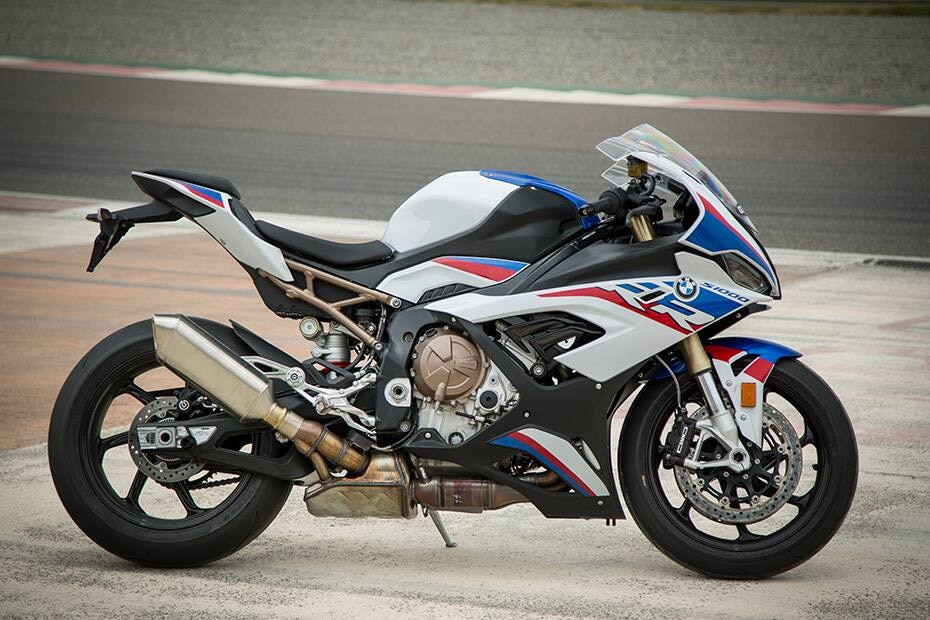 BMW S 1000 RR Price (Festive Offers), Mileage, Images, Colours