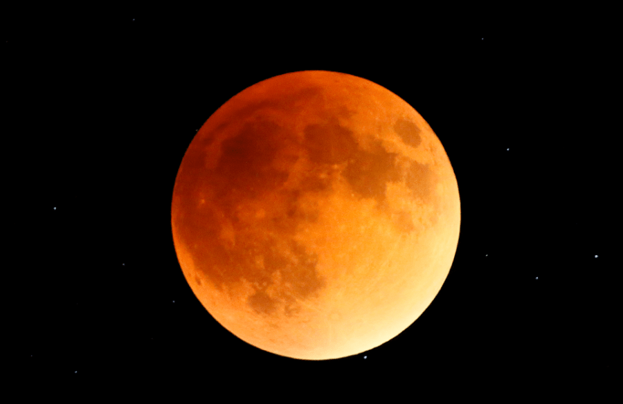 A+blood+moon+eclipse.