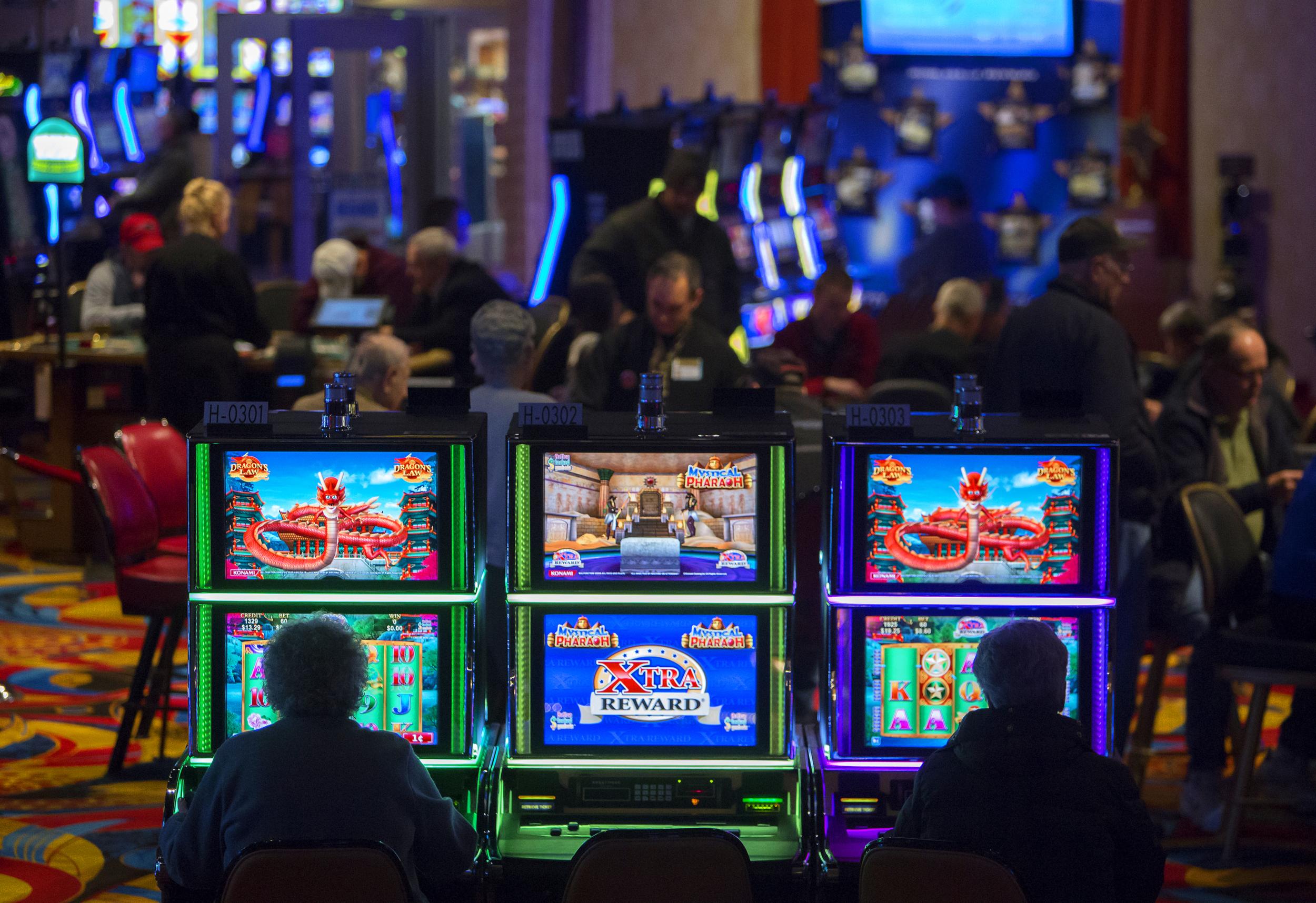 Hollywood casino oxford maine pico 2 game
