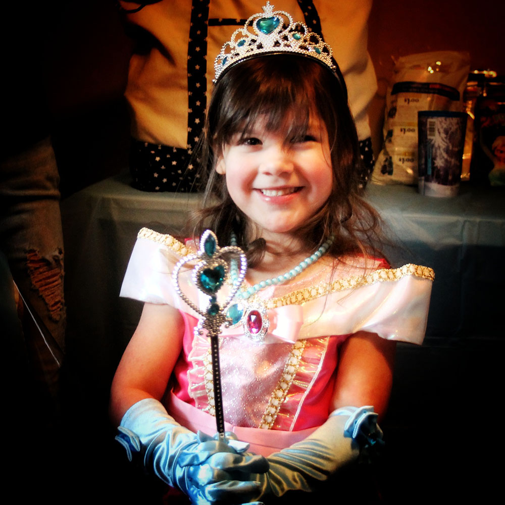 Make A Wish Grants 4 Year Old Madawaska Girl Trip To Disney World Fiddlehead Focus