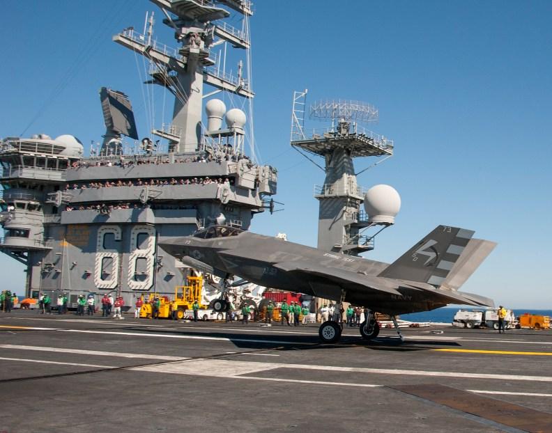 f35c-navytest-landing2014