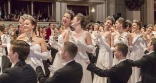 Sztárénekesnő és Versace tiara a jubiláló Bécsi Operabálon