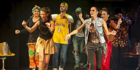 A világ táncai 1 előadásban