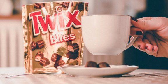 Szívesen találkozol barátaiddal egy finom kávé vagy tea mellett? Kínálj mellé Twix Bites-ot és nyerj egy utat Srí Lankára!