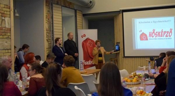 Novemberben a Véradókra fókuszál a Hősképző program