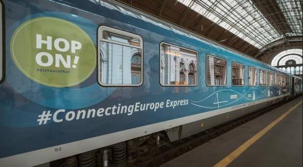 Budapesten a Connecting Europe Express vonata