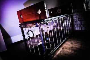 Die BDSM Liege im SM Ferienhaus