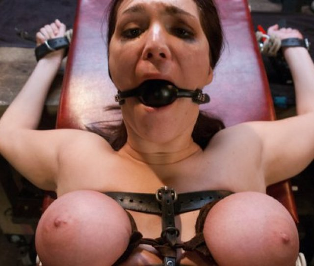 Holly Michaels Ramon Nomar In A Sex And Submission Porn Video Bdsm Videos