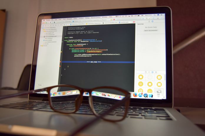 coding-screen-glasses