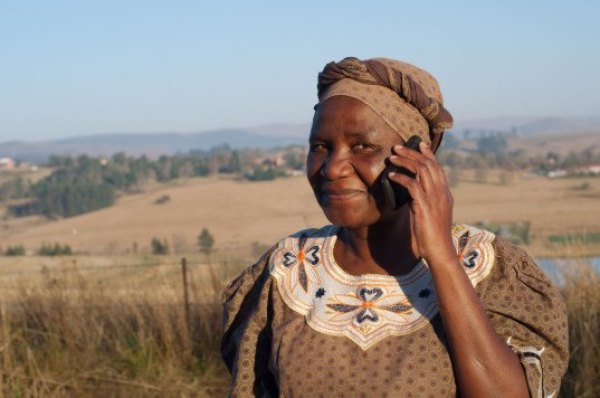 Africa-internet-access-with-mobile-phones