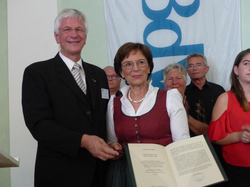 Zentraler Tag der Heimat für Bayern in Ansbach: Landesvorsitzender fordert Rentenverbesserungen für Spätaussiedler