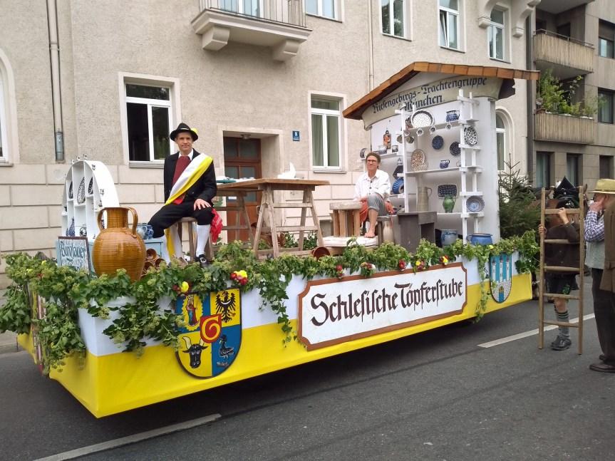Riesengebirgs-Trachtengruppe München beim Münchner Oktoberfest Trachten- und Schützenzug 2019