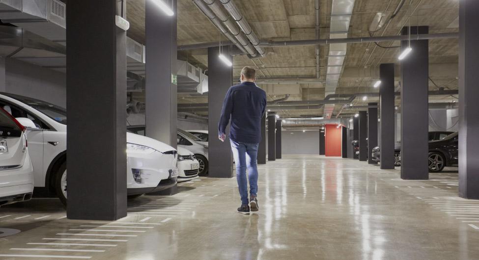 Parking Pisos de alquiler BeCorp en Sant Just Desvern