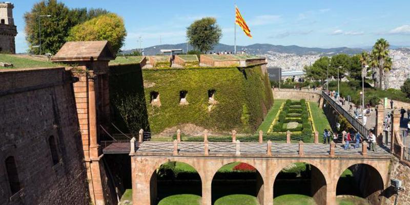 castillo montjuic barcelona
