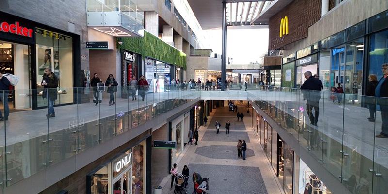 centro comercial finestrelles cerca de pisos de alquiler becorp en sant just