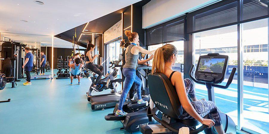 pisos de alquiler con gym indoor