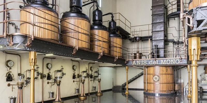Fábrica Anís del Mono en Badalona, cerca pisos alquiler Becorp