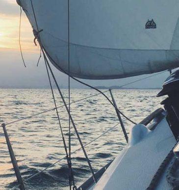 Navega als clubs nàutics de Badalona