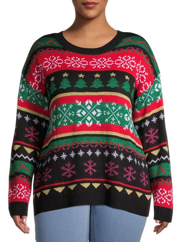 A model wearing a plus-size Christmas sweater.