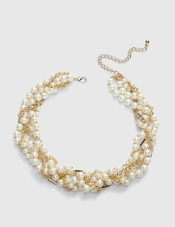 A pearl and gold choker necklace.