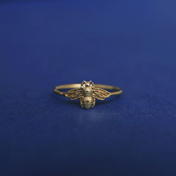 A plus-size bee ring.
