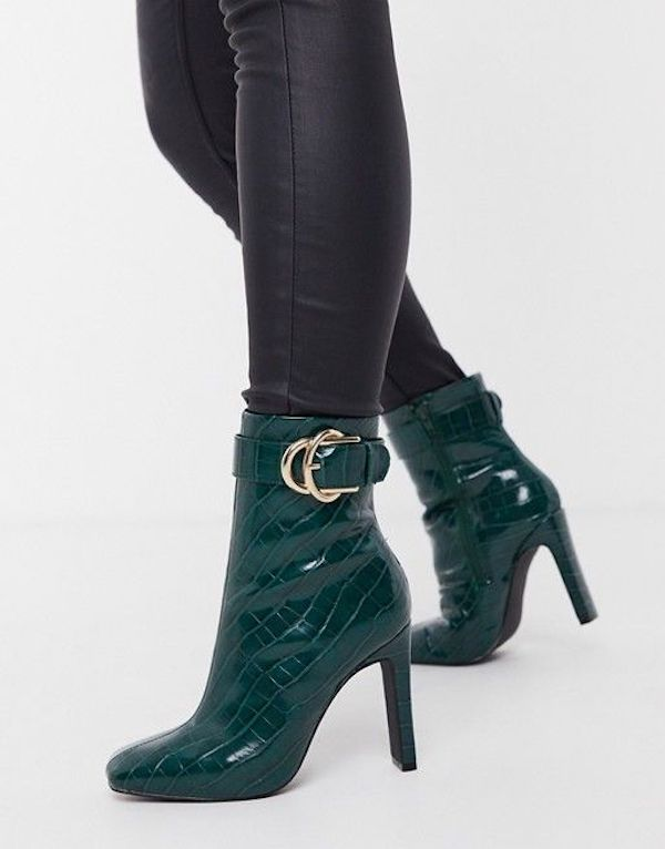Wide-fit ankle boots in green.